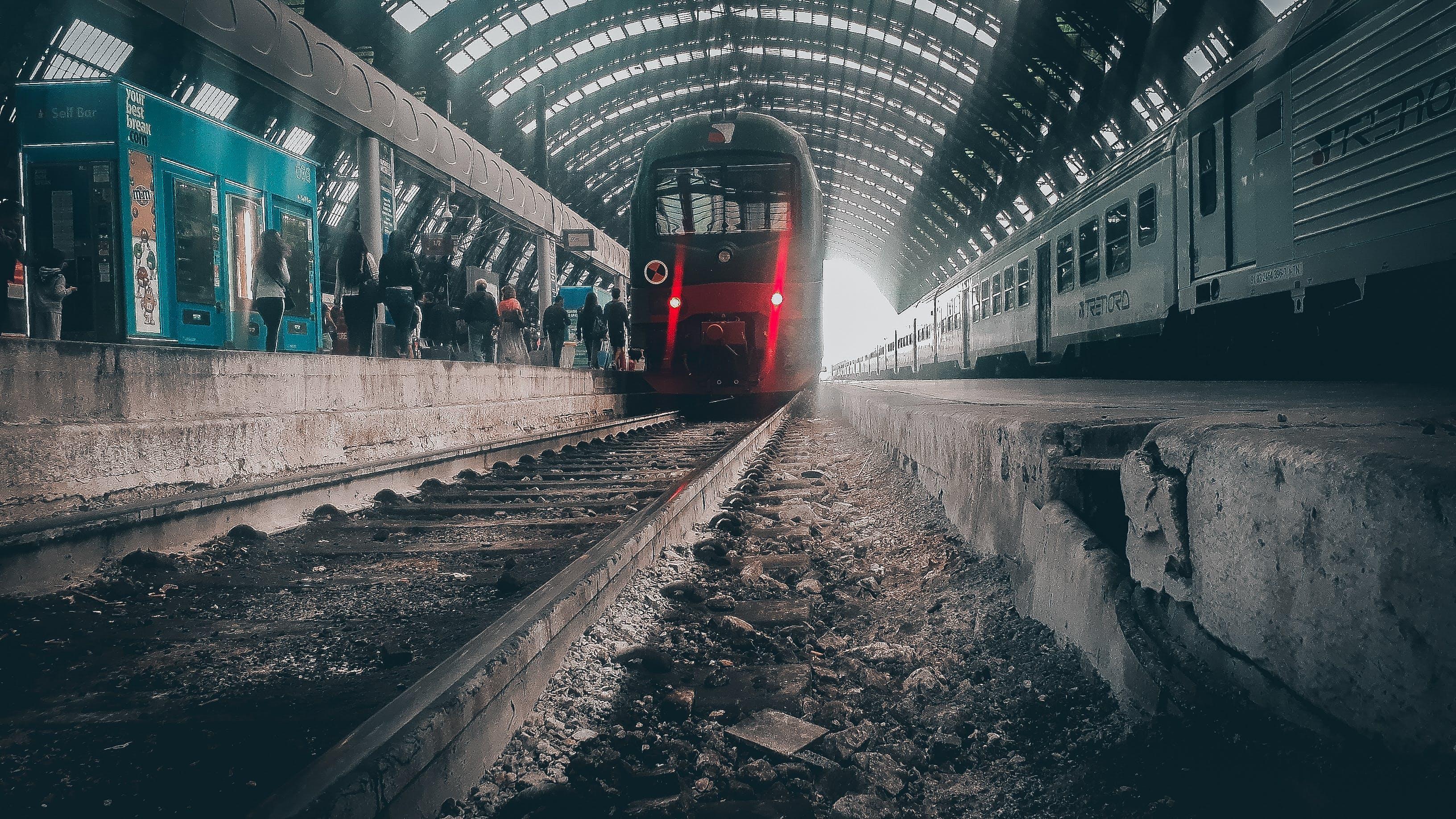 Δωρεάν στοκ φωτογραφιών με αστικός, κάγκελα, κεντρικός, κεντρικός σταθμός