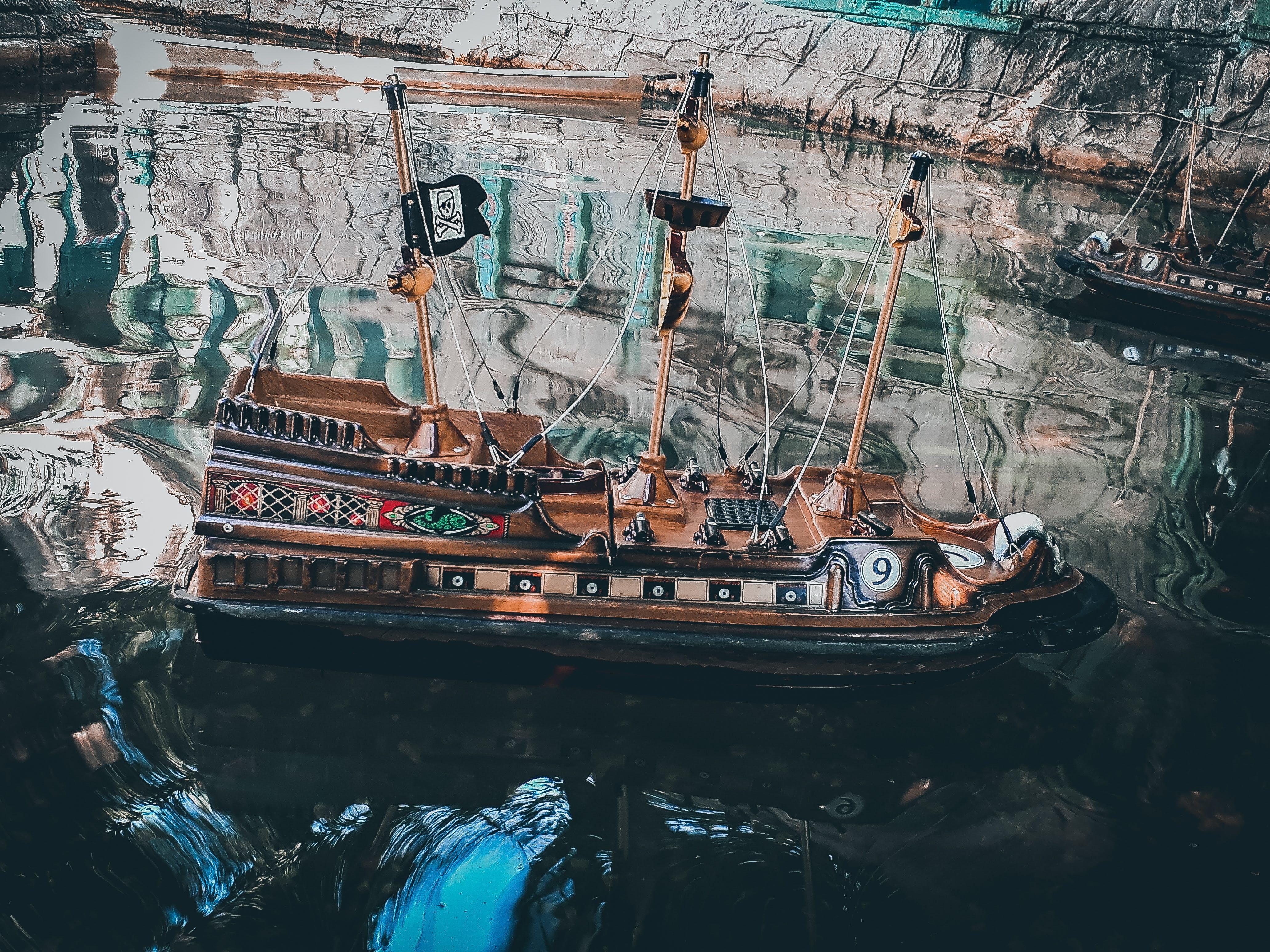 Δωρεάν στοκ φωτογραφιών με colortones, emtionallook, miniboat, πειρατής