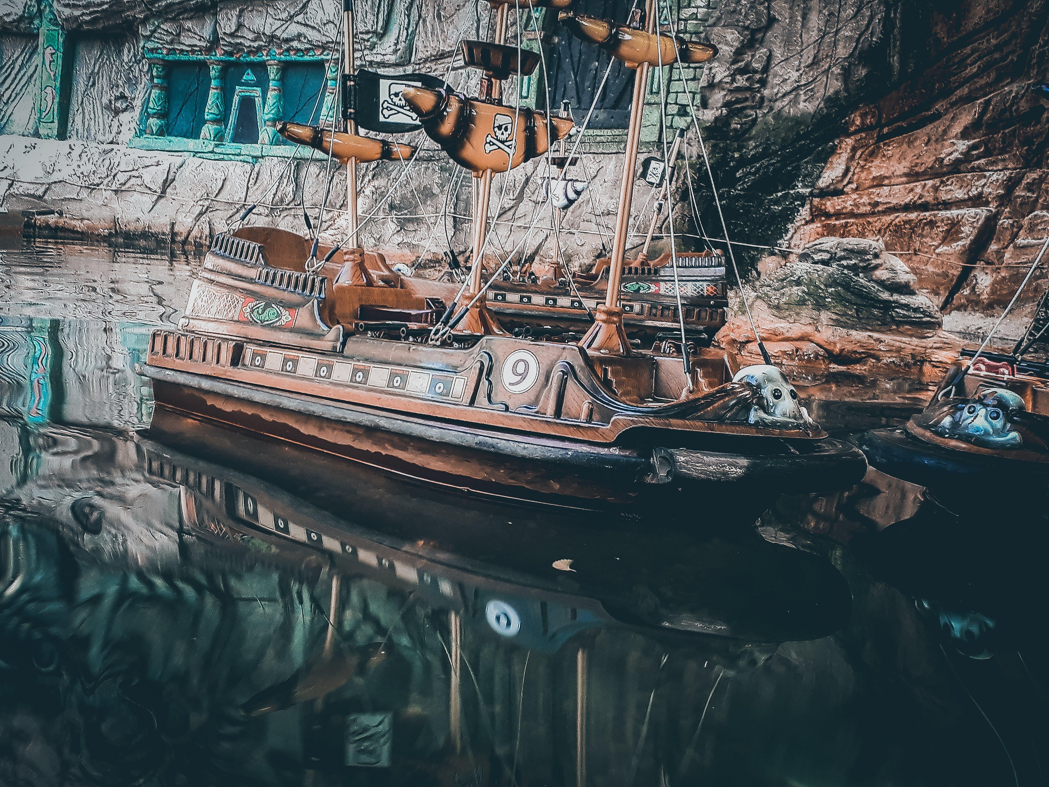 Δωρεάν στοκ φωτογραφιών με colortones, miniboat, κινηματικός, πειρατής