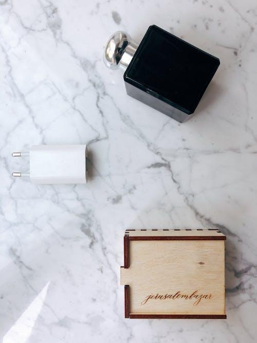 Kostenloses Stock Foto zu adapter, aufsicht, box, container