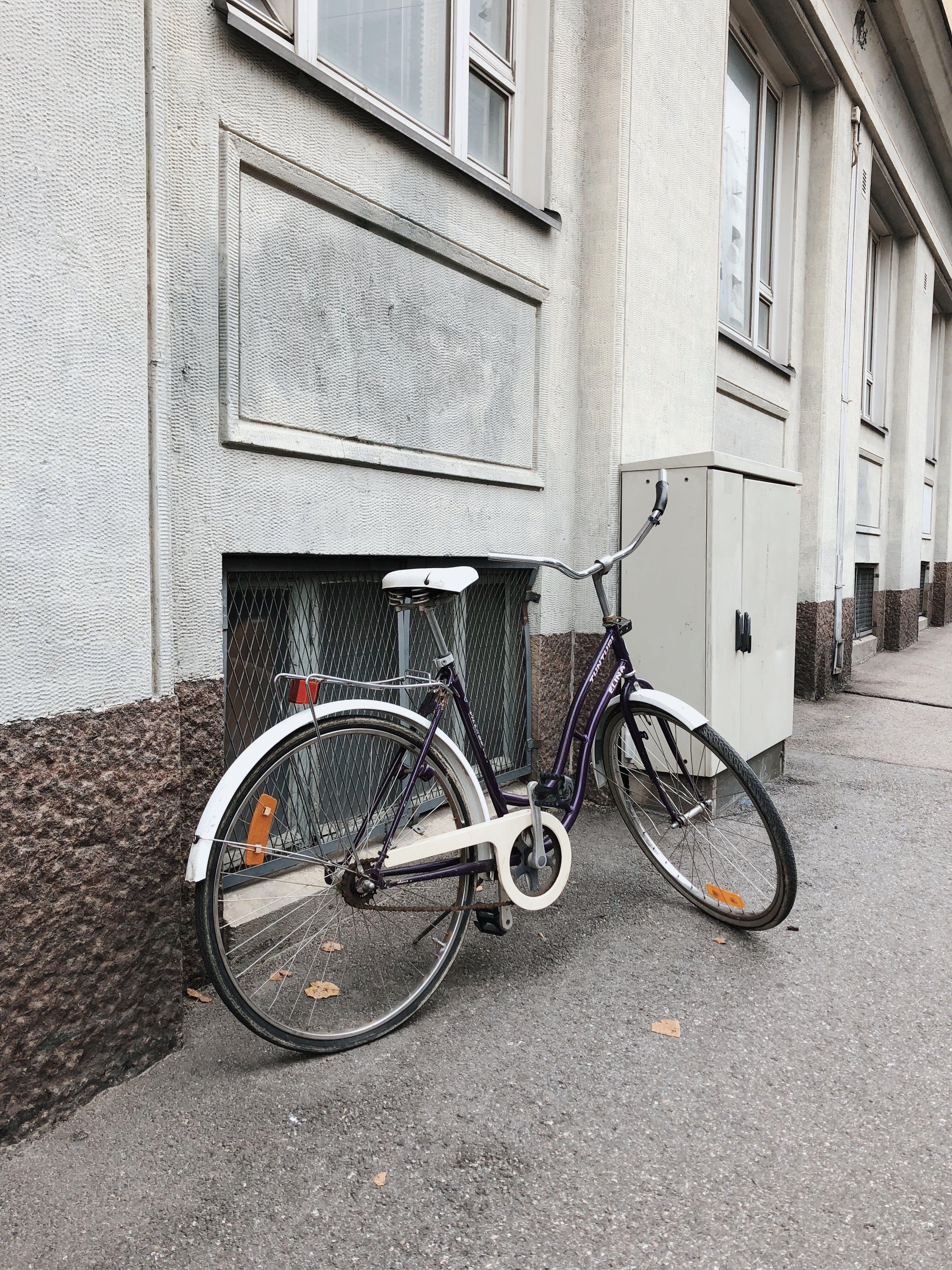 bürgersteig, fahrrad, gebäude