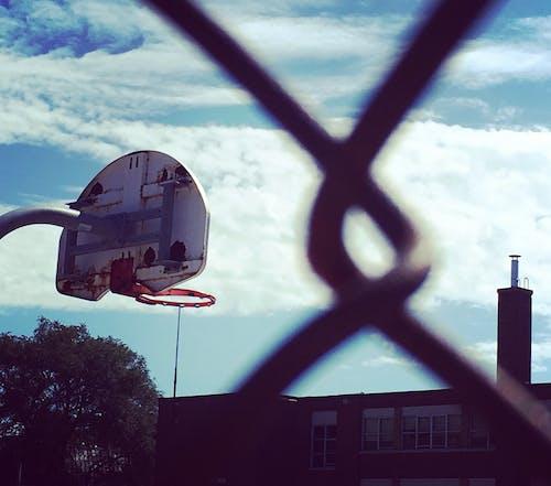 Basketbol, bulutlar, girinti, gökyüzü içeren Ücretsiz stok fotoğraf