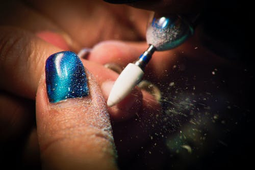 Kostenloses Stock Foto zu περιποιημένα νύχια, νύχια, μπλε, βερνίκι νχχιών