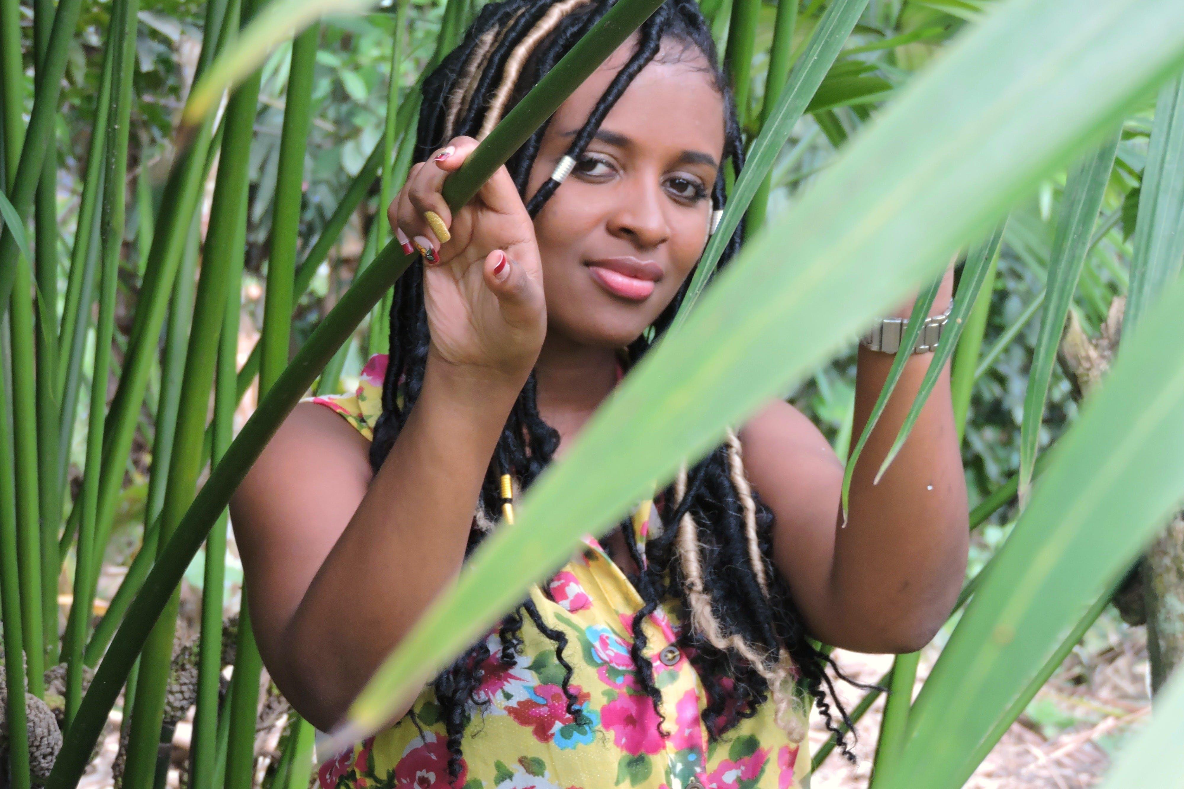 afrodescendent, bonic, cabells a l'estil rastafari