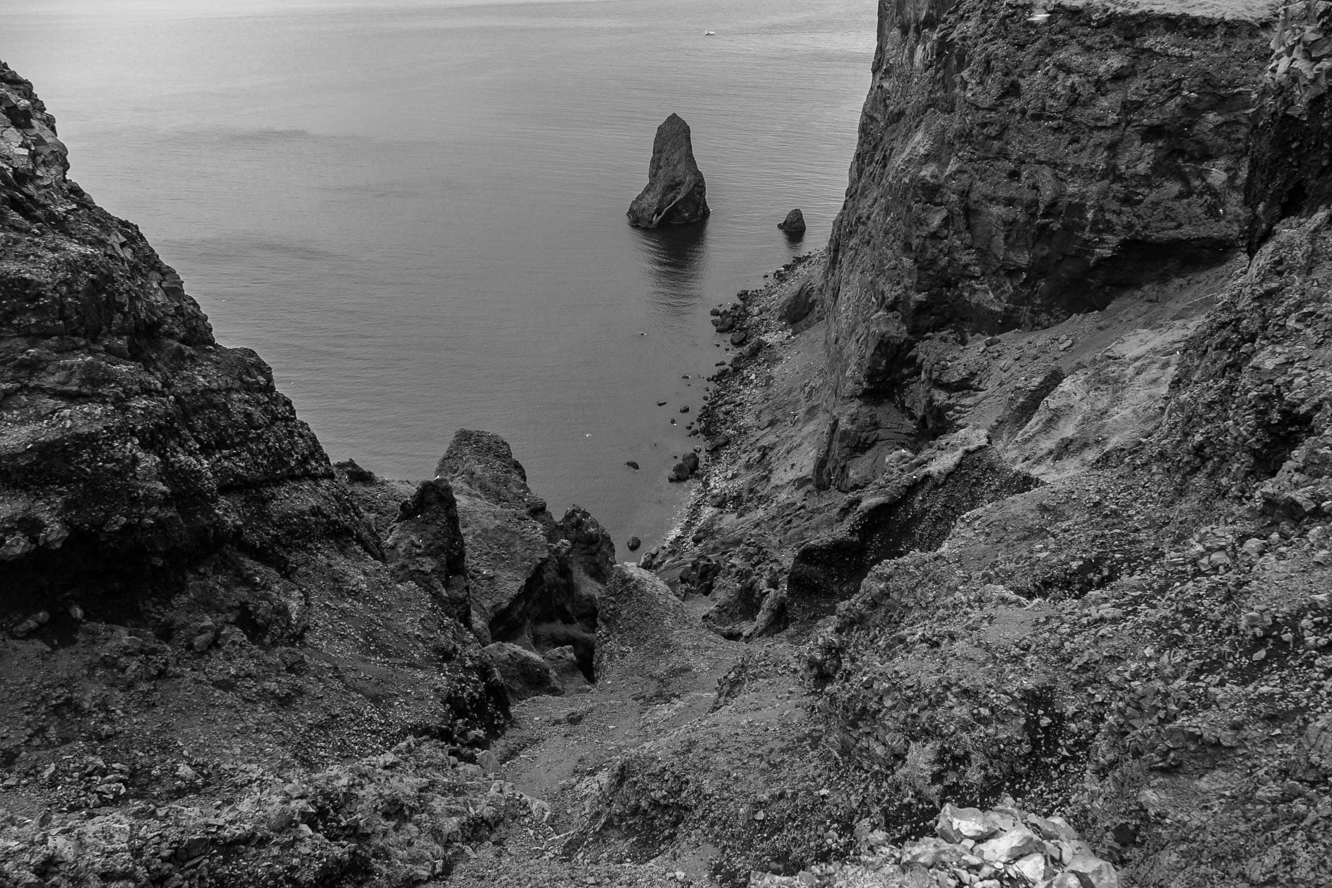天性, 岩石, 岸邊, 懸崖海岸 的 免費圖庫相片