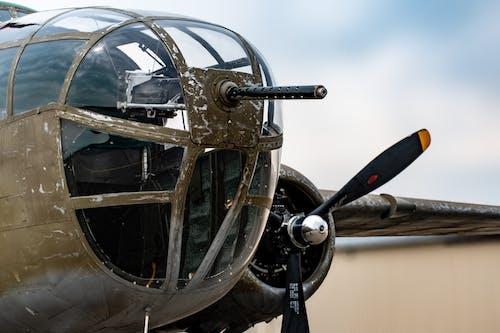 Gratis stockfoto met luchthaven, propeller, transportsysteem, vliegtuig