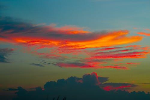 Безкоштовне стокове фото на тему «вечірнє небо, ефектне небо, природна краса, хмарне»