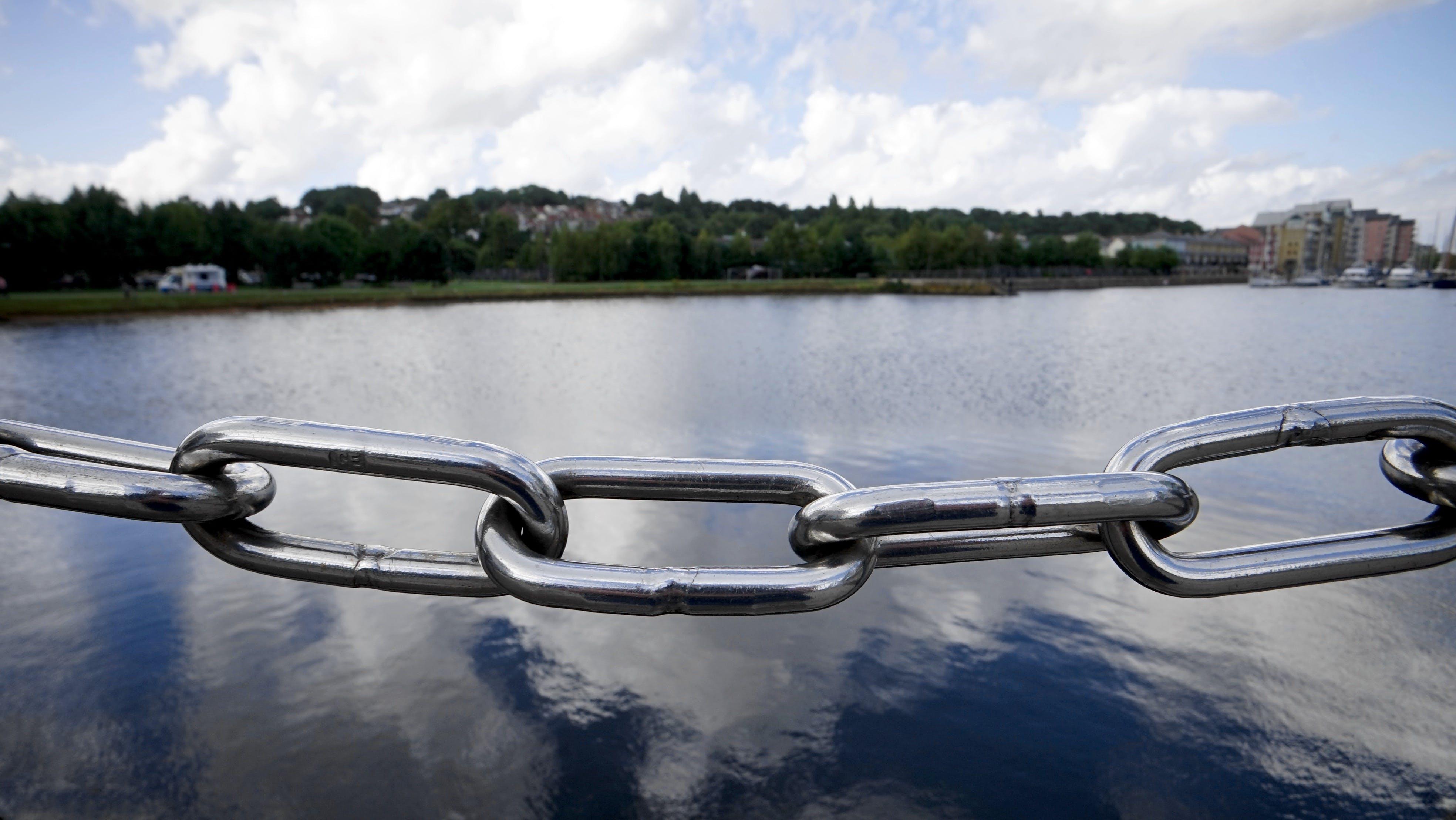 Gratis lagerfoto af anløbsbro, frihed, jern, kæde