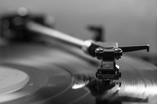 Základová fotografie zdarma na téma černobílý, data, gramofon, hudba