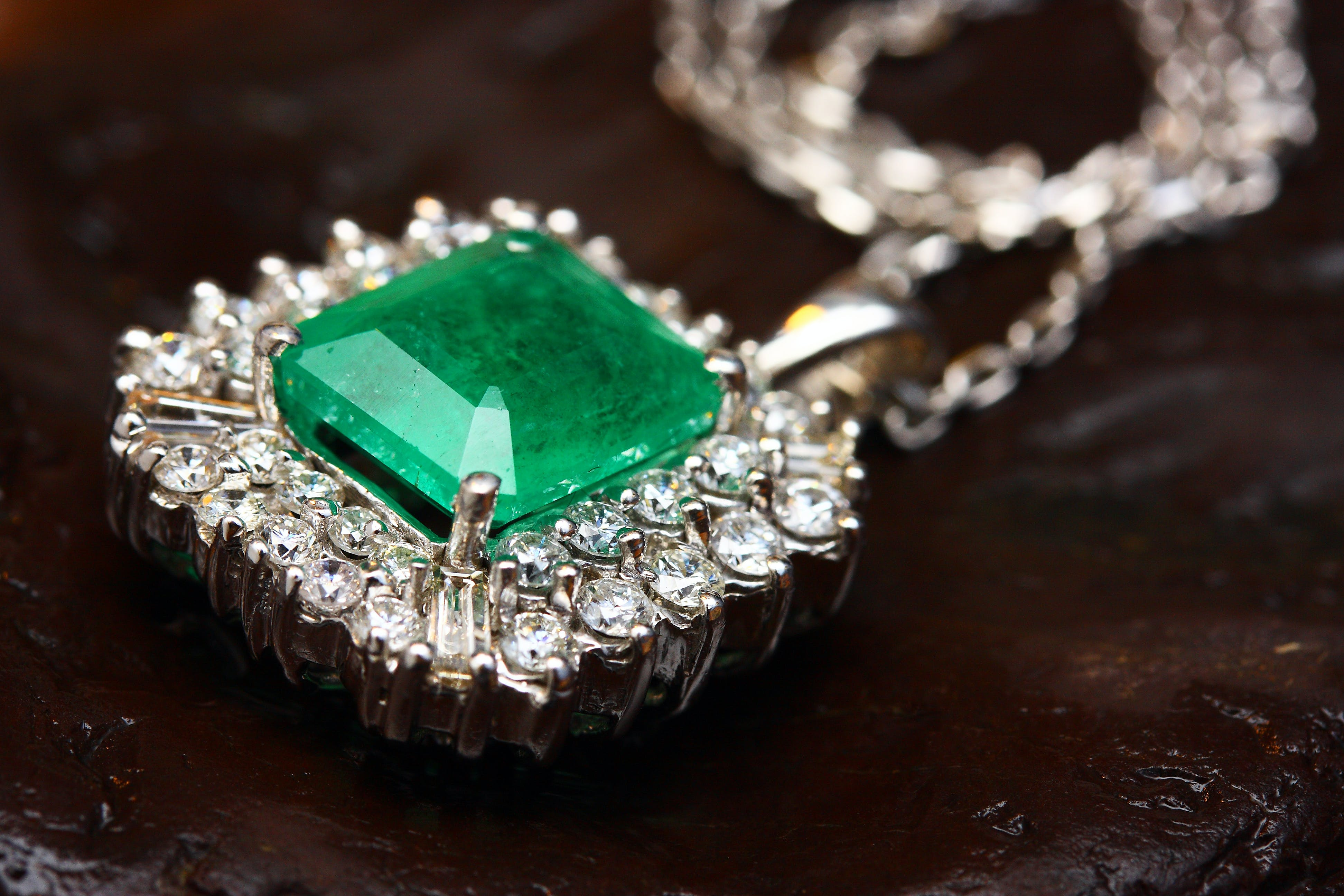 Silver-colored Pendant With Green Gemstone