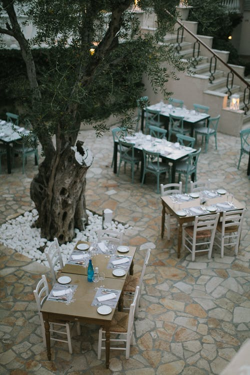 Imagine de stoc gratuită din aranjarea mesei, arbore, arhitectură, bistro