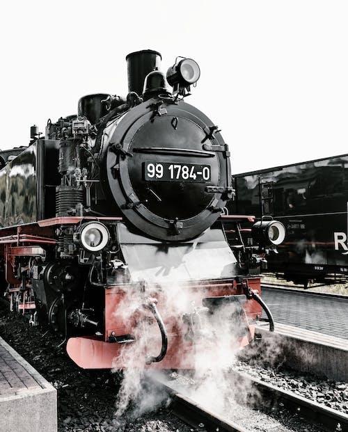 Foto stok gratis baja, besi, jalan kereta api, kendaraan umum