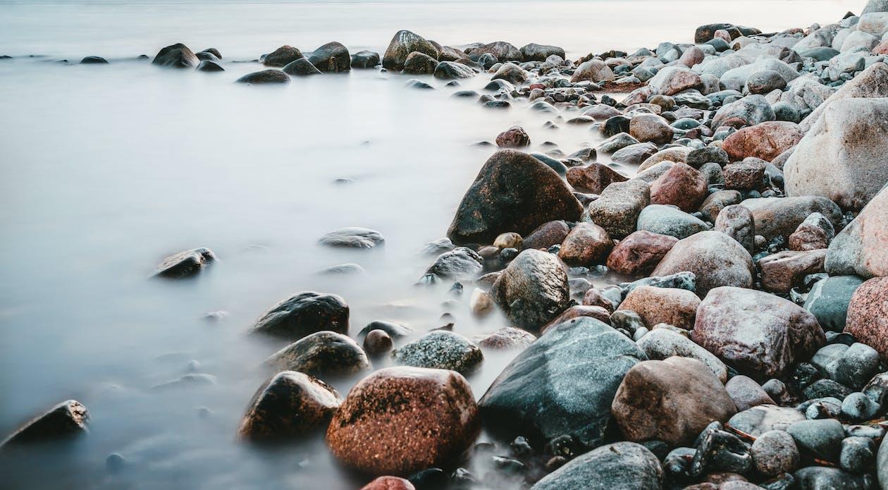 blocs, bord de mer, cailloux