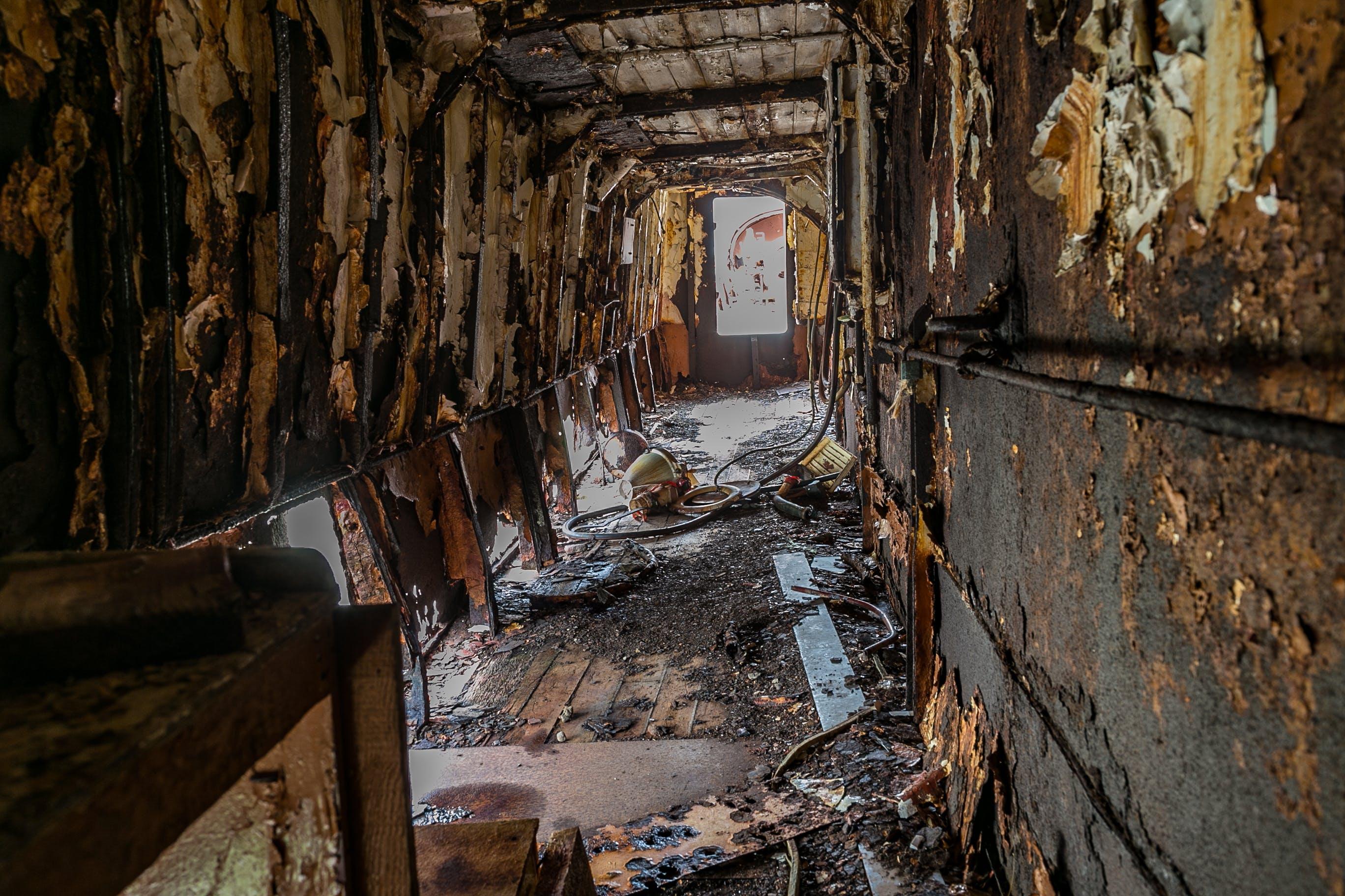 Fotos de stock gratuitas de abandonado, acero, adentro, en decadencia