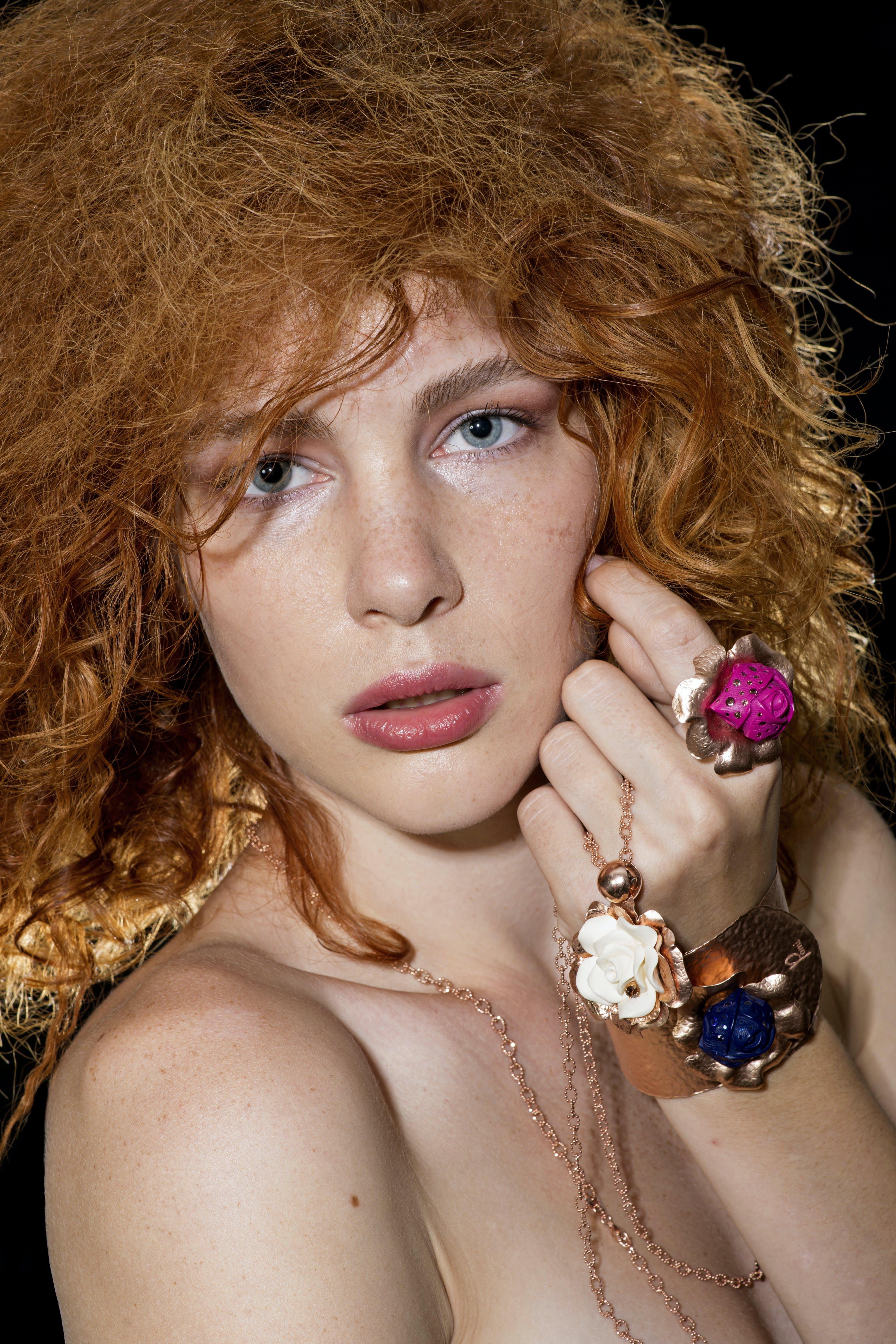 곱슬머리, 귀여운, 눈, 머리의 무료 스톡 사진