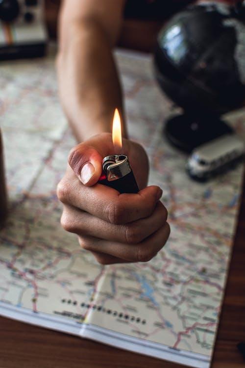 encendedor, llama, mano