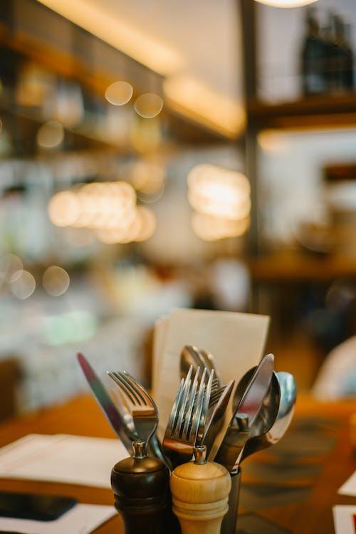 Základová fotografie zdarma na téma kuchyňské potřeby, nože, příbory, stolní nádobí