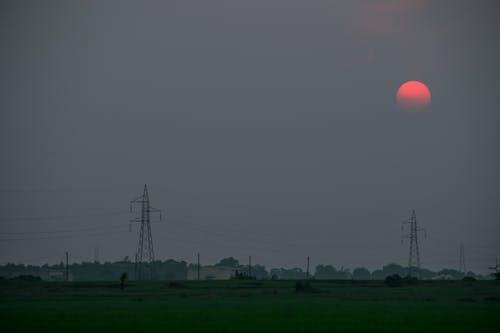 Безкоштовне стокове фото на тему «атмосферний вечір, вечірнє небо, вечірнє сонце, Захід сонця»