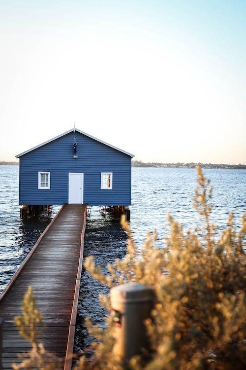 Foto profissional grátis de água, arquitetura, beira-mar, cais