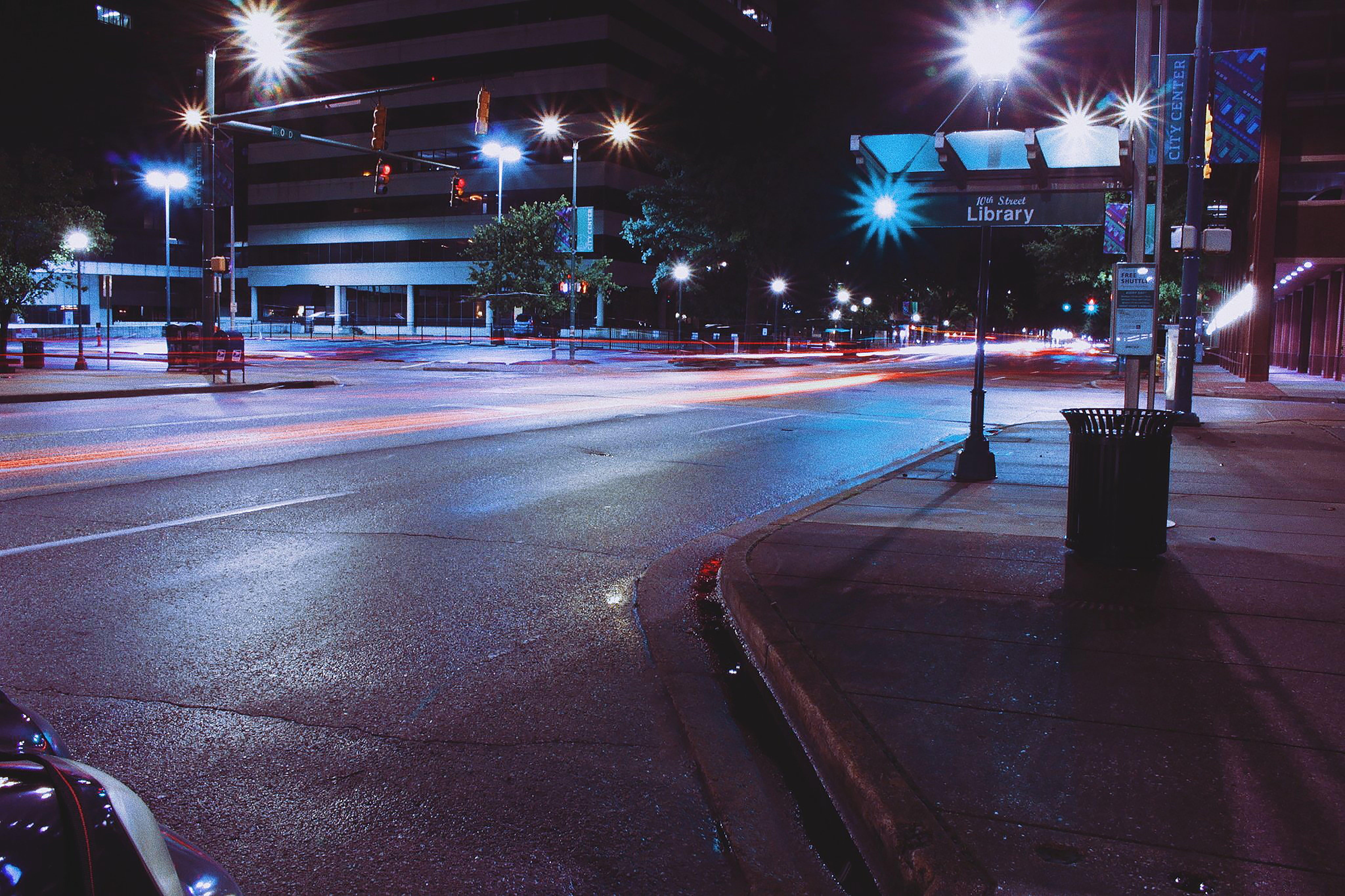 光迹, 城市的燈光, 夜間攝影, 市中心 的 免费素材照片