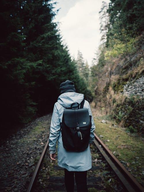 Imagine de stoc gratuită din aventură, cale ferată, ghiozdan, persoană