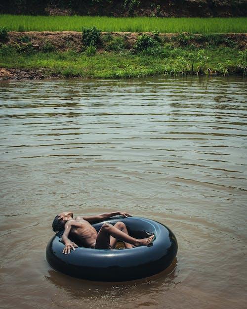 Immagine gratuita di acqua, bambino, giocare, giovane