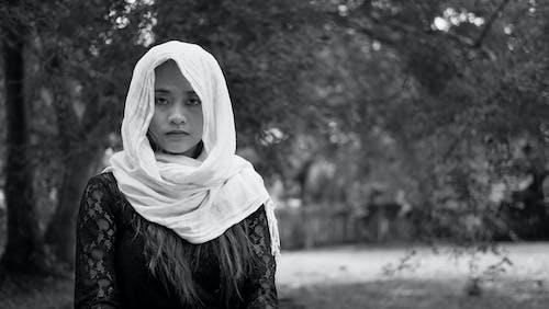 Бесплатное стоковое фото с Абая, Взрослый, выражение лица, девочка