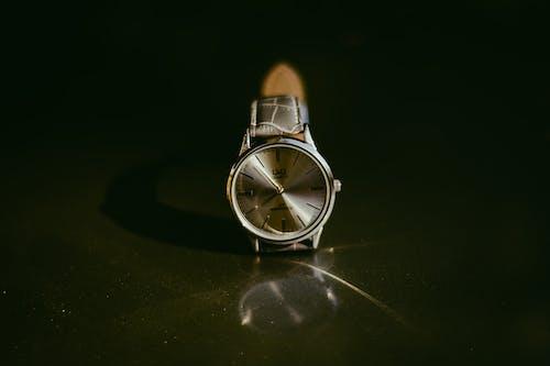 คลังภาพถ่ายฟรี ของ นาฬิกาข้อมือ, สง่า, อุปกรณ์เสริม, เวลา