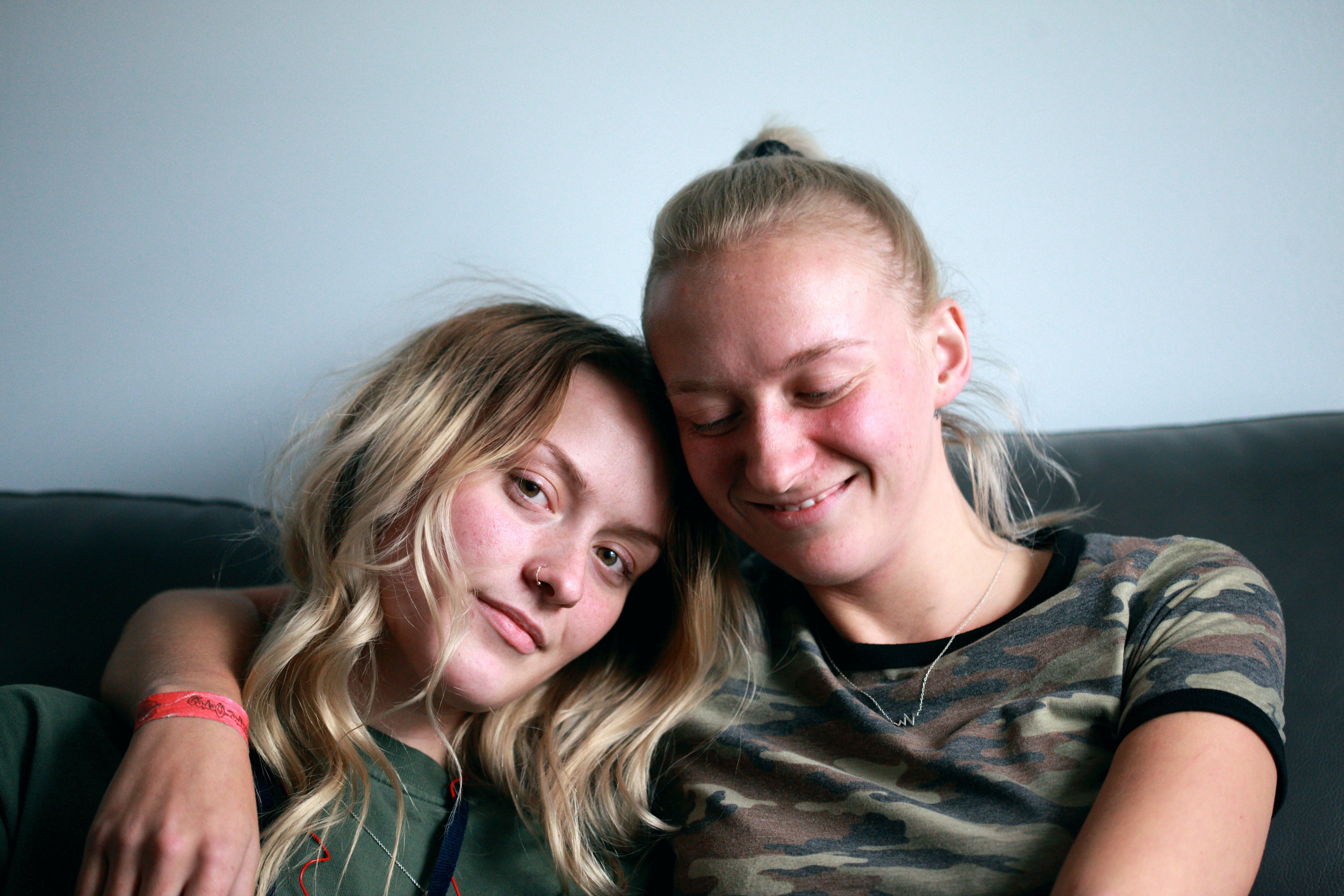 Darmowe zdjęcie z galerii z blond, dziewczyny, kobiety, lesbijka