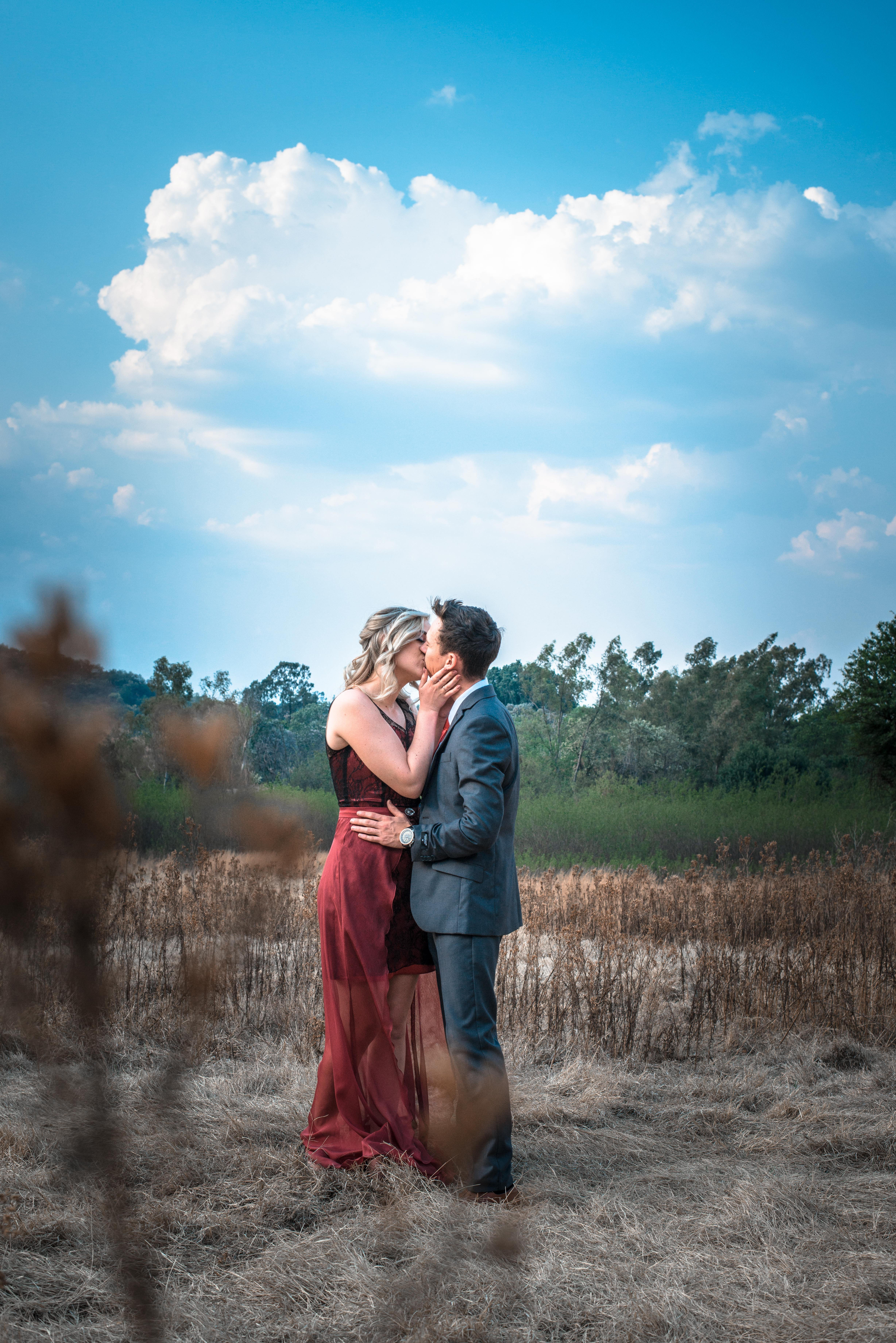 100 Great Kissing Photos  Pexels  Free Stock Photos-3881