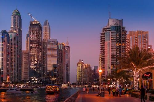 Ingyenes stockfotó belváros, csónakok, dubai marina, dubaj témában