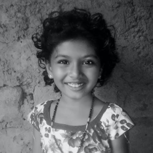 Kostnadsfri bild av indisk flicka, inspiration, leende, söt leende