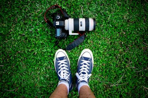 Ingyenes stockfotó cipő, cipőfűző, dslr, dslr fényképezőgép témában