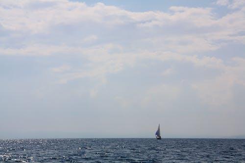 Gratis lagerfoto af blå himmel, dyb, grå, hav