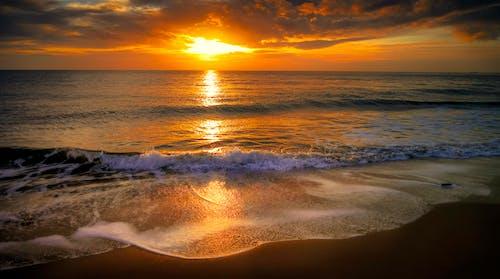 天空, 太陽, 岸邊, 招手 的 免費圖庫相片