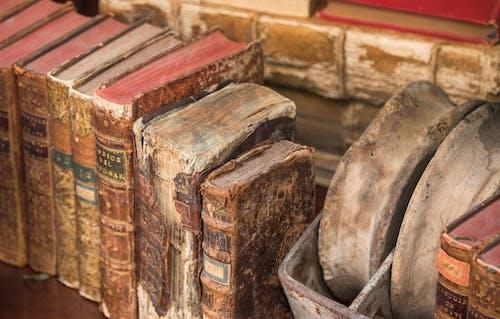 Photos gratuites de antiquité, beaucoup, librairie, livres