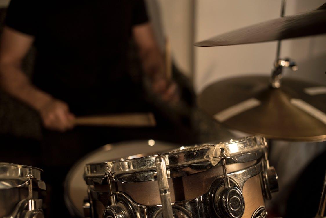 bicí nástroj, bubeník, bubny