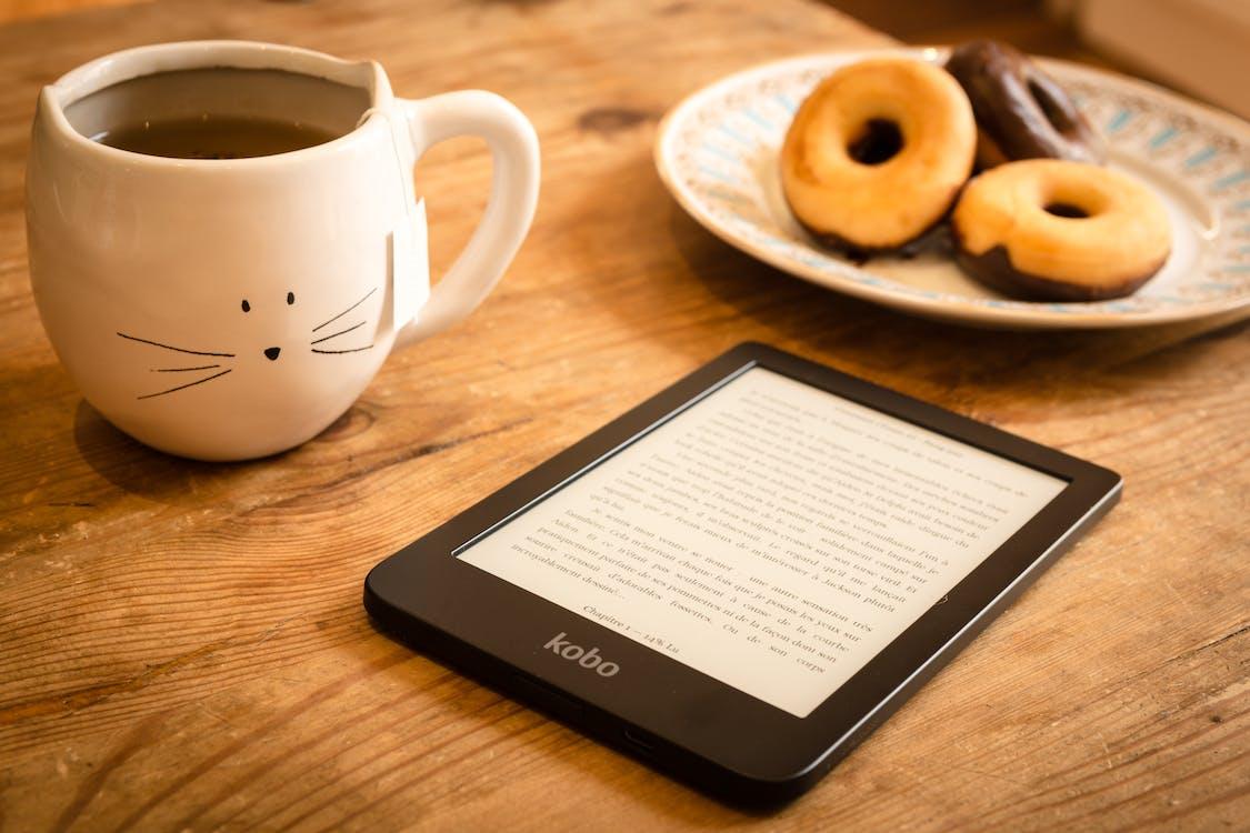 cană, carte electronică, cărți