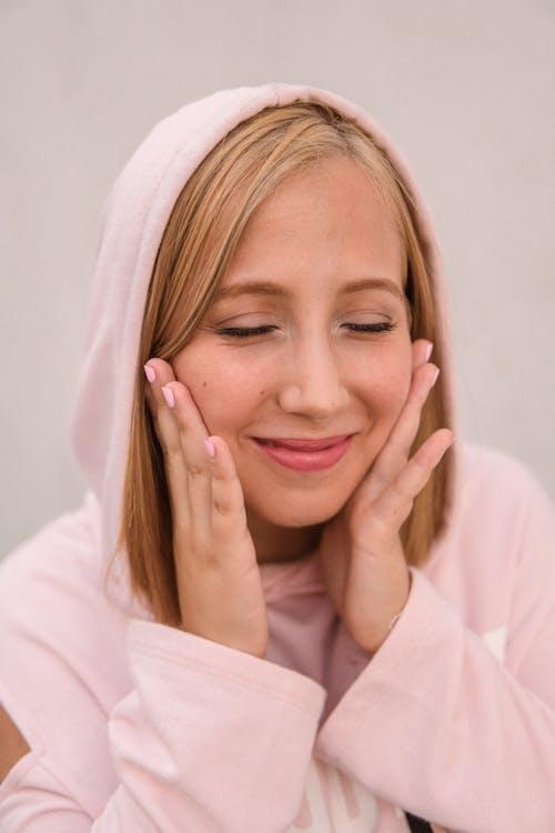 Gratis lagerfoto af afslappet, blond, blondine, kvinde