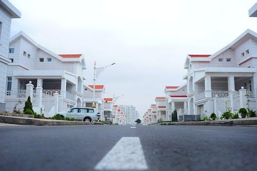 Darmowe zdjęcie z galerii z architektura, dach, domy, krajobraz