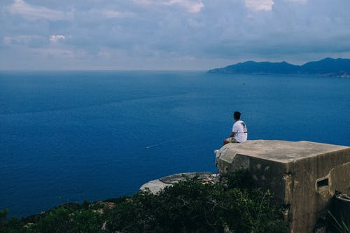 人, 坐, 天性, 天空 的 免费素材照片