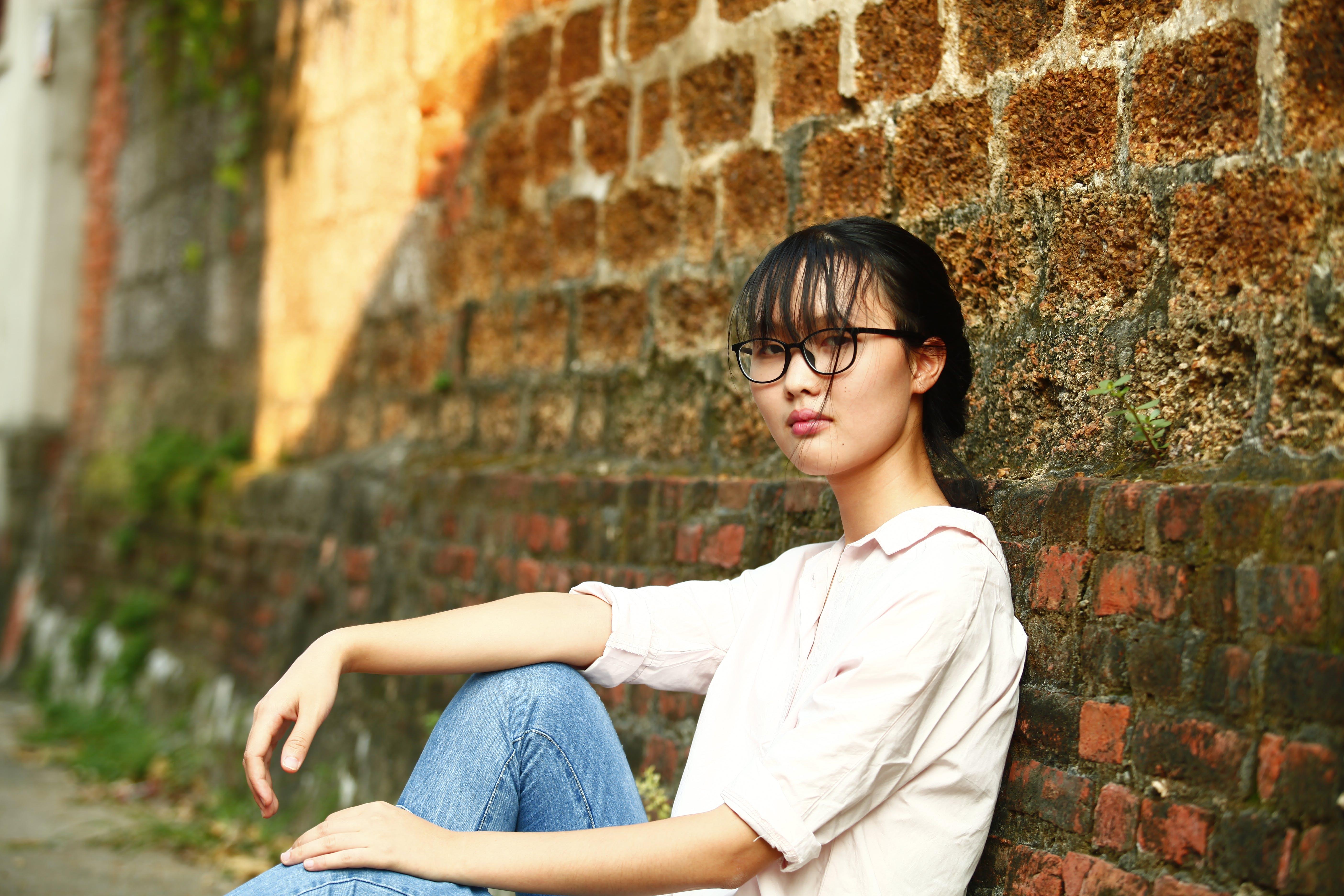 Kostenloses Stock Foto zu asiatische frau, brillen, fashion, fotoshooting