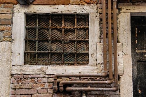 Immagine gratuita di abbandonato, architettura, caratteristica della parete, entrata