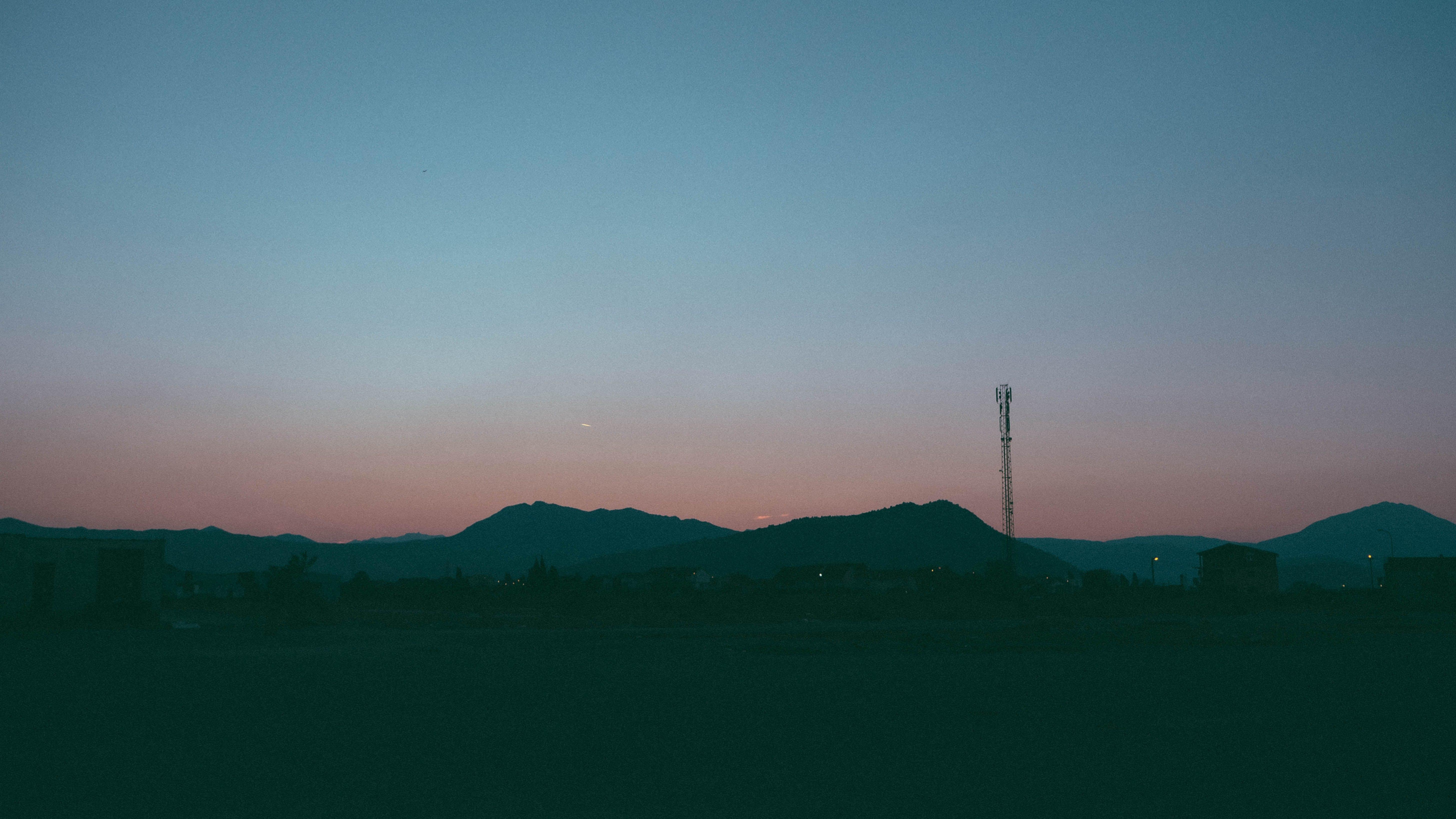 Gratis lagerfoto af baggrund, bjerge, blå, blå bjerge