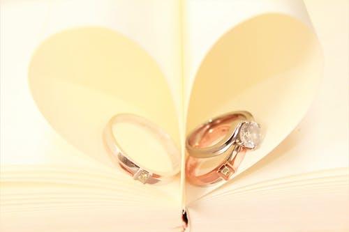 Foto stok gratis bentuk hati, berlian, cincin, cinta