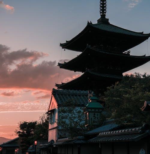 Ilmainen kuvapankkikuva tunnisteilla aasialainen arkkitehtuuri, arkkitehtuuri, auringonlasku, katto