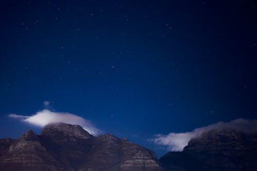 Gratis lagerfoto af aften, astronomi, bjerg