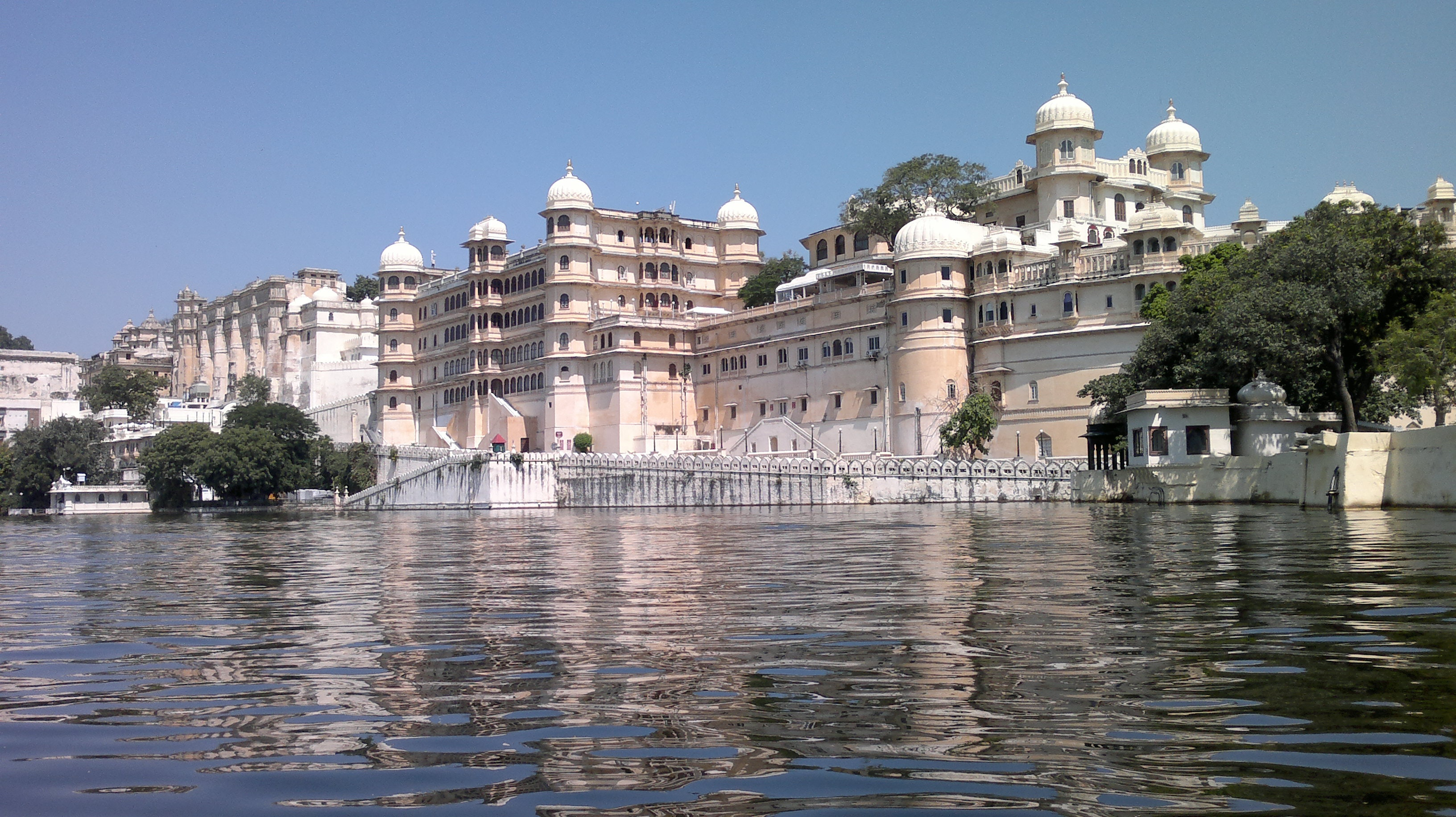 Rajasthan, Udaipur palace Top vacation Dream Destinations Around the world