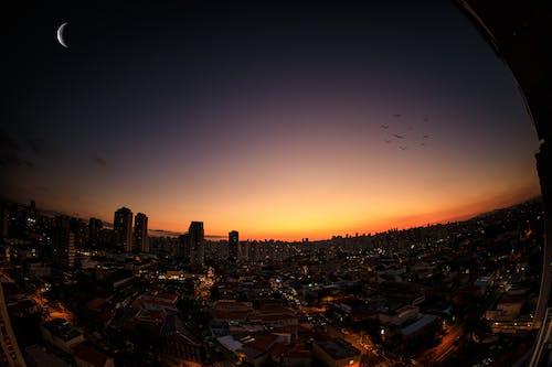 Immagine gratuita di alba, architettura, cielo, cielo sereno