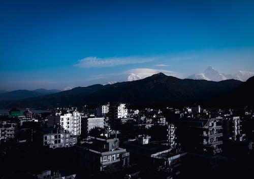 Fotobanka sbezplatnými fotkami na tému dramatická obloha, everest, hora, jasná obloha